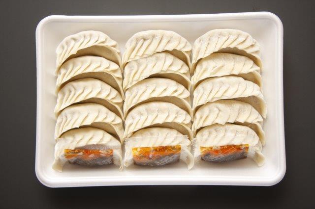 アントン餃子15個入り 内容量600gで1740円(税込)! 3セットご注文で送料無料! 食べごたえ有りのジャンボ餃子です!